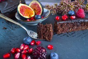Schokoladenkuchen mit Datteln